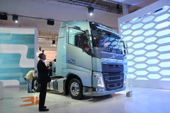 沃尔沃 新FH X-LOW重卡 460马力 4X2牵引车 卡车图片