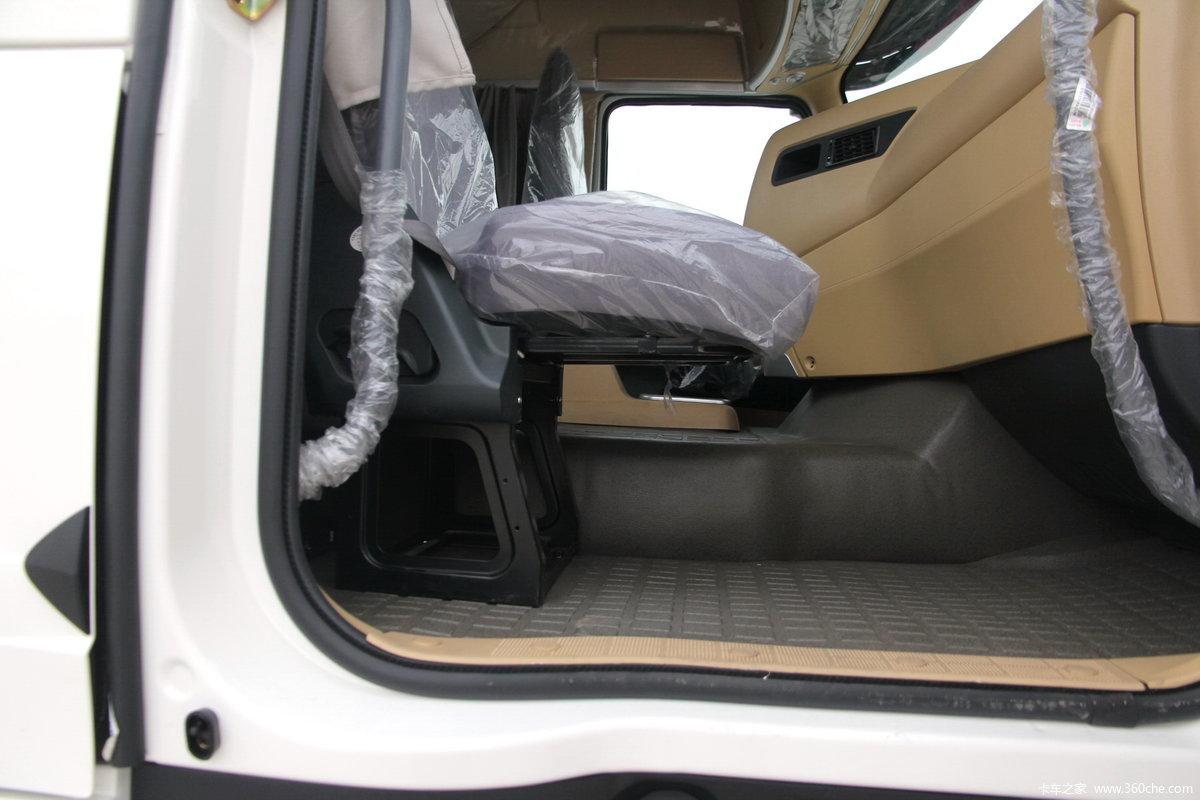 howo-t7h重卡 390马力 6x4 牵引车(zz4257v324hc1b/v2gb-1) 驾驶室