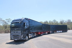 沃尔沃 新FH16重卡 600马力 6X4 牵引车(澳大利亚版三节全挂车) 卡车图片