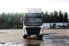 沃尔沃 新FM重卡 460马力 6X2R牵引车(冬白) 卡车图片