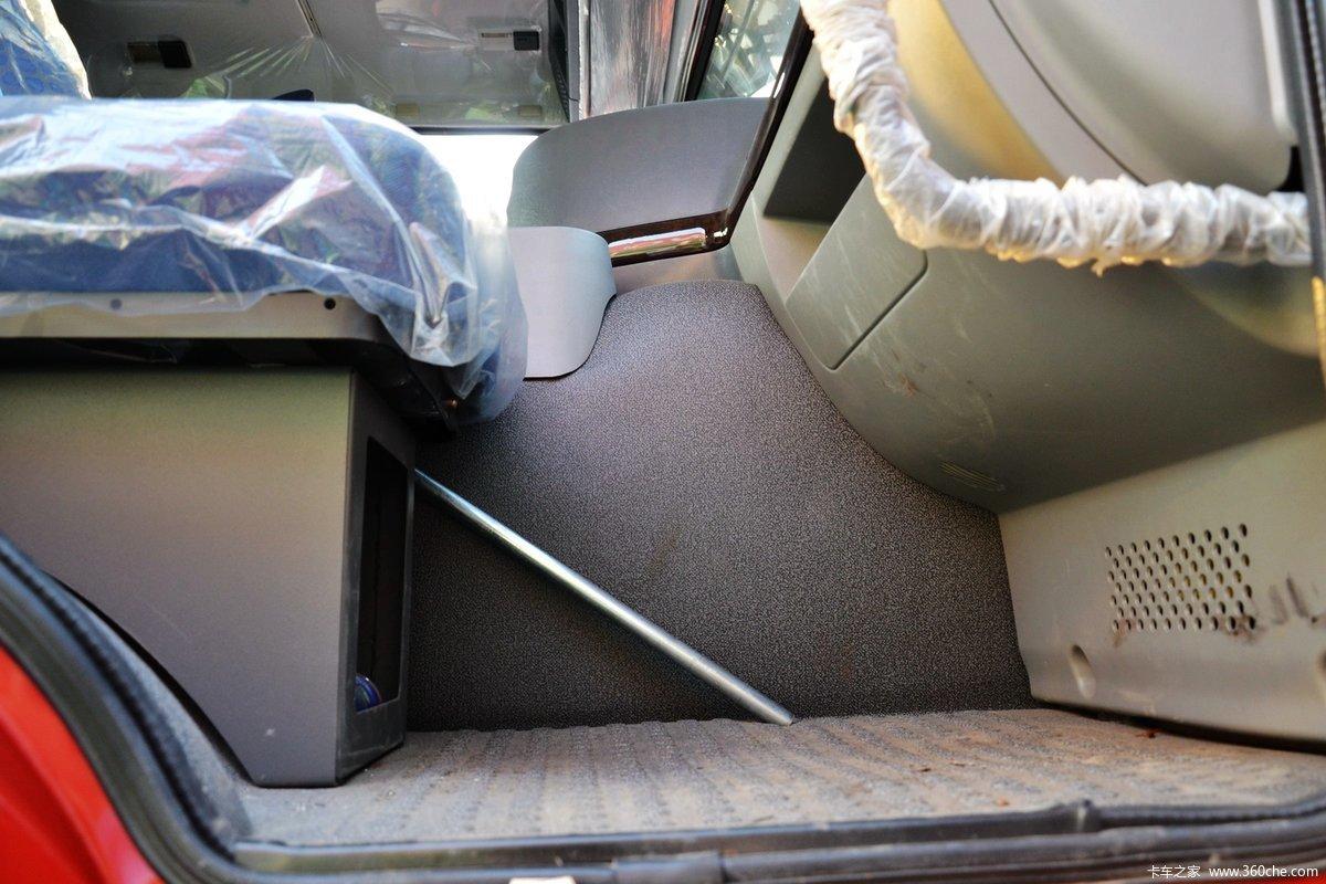 howo-7重卡 380马力 10x4 清障车底盘(zz5507n31b7d1) 驾驶室