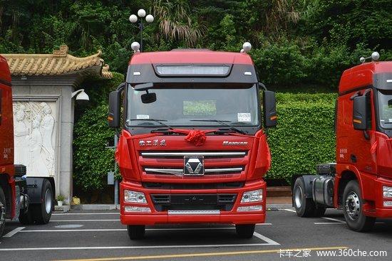 徐工 汉风g7重卡 375马力 6x2牵引车(nxg4250d5wb)