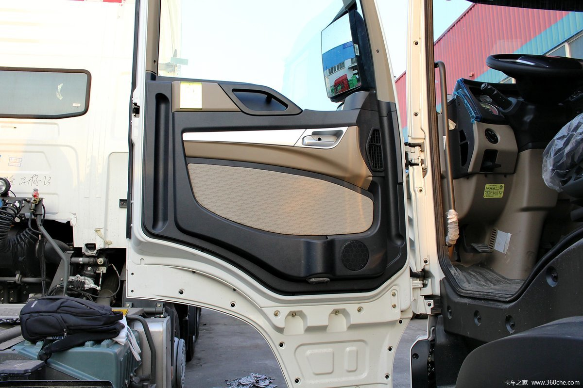 howo t5g系重卡 290马力 8x4自卸车底盘(zz3317m386ge1l) 驾驶室