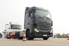 奔驰 新Actros重卡 420马力 6X2R公路牵引车(型号2642)