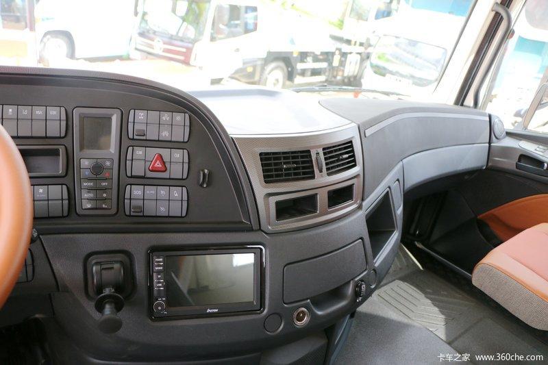 福田 欧曼est-a 6系重卡 490马力 6x2牵引车(bj4259snfkb-ag) 驾驶室