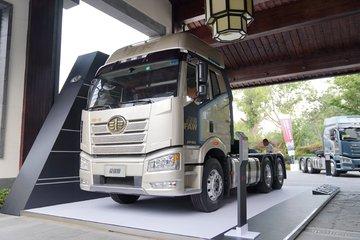 一汽解放 新J6P重卡 荣耀版 550马力 6X4牵引车(CA4250P66K25T1A2E5)