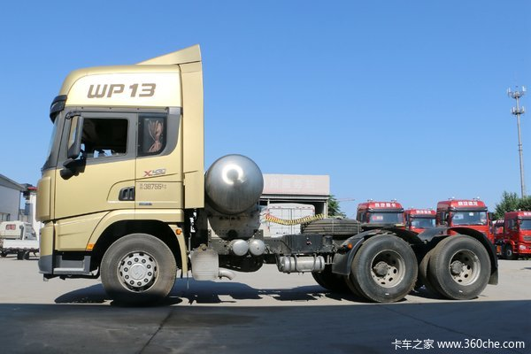 最高优惠达3万元6x4LNG牵引车促销清点
