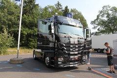 疾驰 Actros重卡 480马力 4X2牵引车(黑曜石)(型号1848LS) 卡车图片