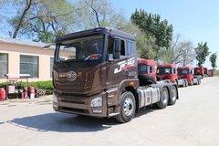 青岛束缚 JH6重卡 杰出版 400马力 6X4牵引车(平顶)(国六)(CA4256P26K15T1E6A80) 卡车图片