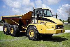 卡特彼勒725铰接式卡车
