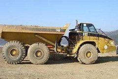 卡特彼勒740推卸型铰接式卡车