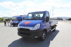 依维柯 Daily中卡 146马力 4X2单排栏板载货车 卡车图片