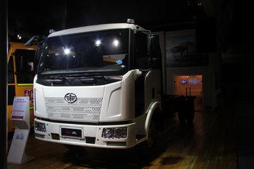 一汽解放 J6L中卡 140马力 4X2 6.8米载货车底盘(新道依茨)