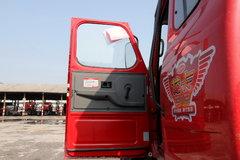 龙卡牵引车驾驶室                                               图片