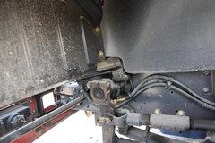 龙卡牵引车底盘                                                图片
