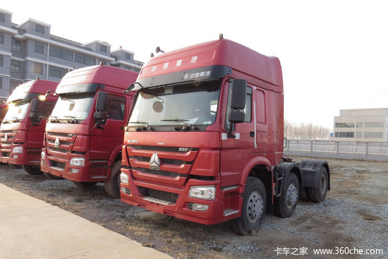 中国重汽 HOWO重卡 340马力 6X2 LNG牵引车(ZZ4257N25C7E1L)