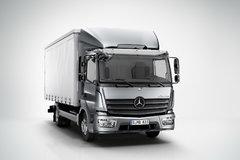 奔驰 新Atego中卡 270马力 4X2厢式载货车(型号1227) 卡车图片