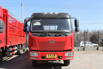 一汽解放 J6L中卡 220马力 6X2 7.7米栏板载货车(CA1250P62K1L7T3E4)