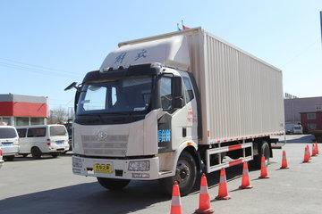 一汽解放 J6L中卡 180马力 4X2 6.8米排半厢式载货车(CA5160XXYP62K1L3E4)