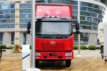 一汽解放 J6L中卡 220马力 6X2 9.7米厢式载货车(CA5250XXYP62K1L8T3E4)
