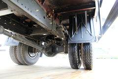 一汽解放 J6L中卡 164马力 4X2 6.8米排半厢式载货车(CA5160XXYP62K1L3E4) 卡车图片