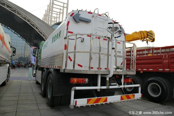 陕汽 德龙新M3000 290马力 6X4 清洗车(SX3256MM384)