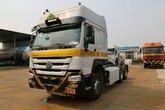 中国重汽 HOWO重卡 380马力 6X4 CNG牵引车(天然气运输车)(ZZ4257N3847E1CB)