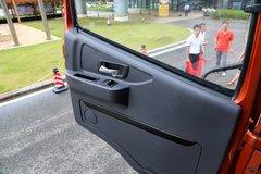 联合V系牵引车驾驶室                                               图片