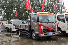 凯马 凯捷 143马力 4.2米单排栏板轻卡(KMC1046H33D4) 卡车图片
