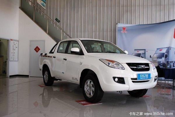 江铃 域虎 2016款 2.4L 汽油 四驱 双排皮卡