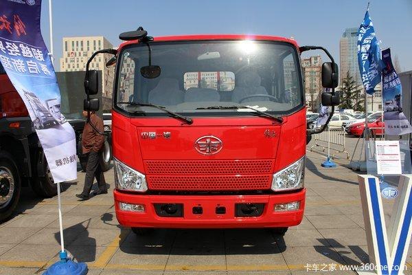 解放 J6F 160马力 6.2米单排栏板载货车