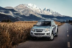 江西五十铃 D-MAX 2015款 豪华型 2.5T柴油 四驱 双排皮卡(高通过)(JXW1030ASA) 卡车图片