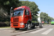 青岛解放 龙V中卡 180马力 4X2 6.75米栏板载货车底盘(CA1169PK2L2E5A80)