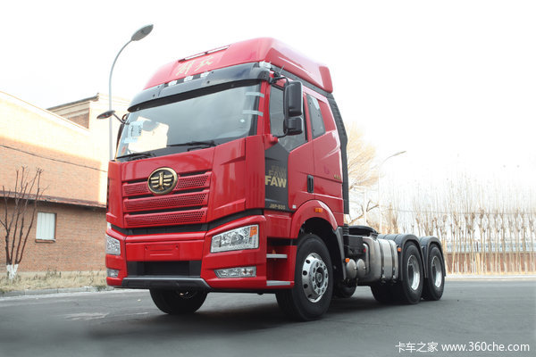 一汽解放 新J6P重卡 500马力 6X4牵引车