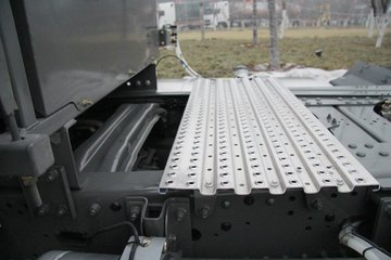 中国重汽 汕德卡SITRAK C7H重卡 440马力 6X4牵引车(3.7)(ZZ4256V324HE1B)图片