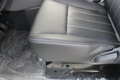 T3电动封闭厢货内饰图片