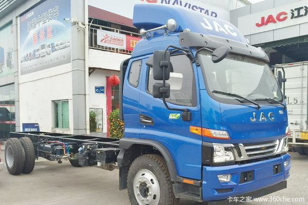 仅售12.58万骏铃V9中卡底盘特价限一台