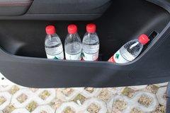 上汽大通 T60 豪华型 2.8T柴油 150马力 四驱高底盘 大双排皮卡(6AT) 卡车图片