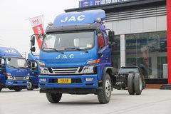 江淮 骏铃V9 168马力 6.8米排半载货车底盘 卡车图片