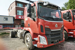 东风柳汽 新乘龙M3中卡 180马力 4X2 6.8米排半载货车底盘(LZ1180M3AB) 卡车图片