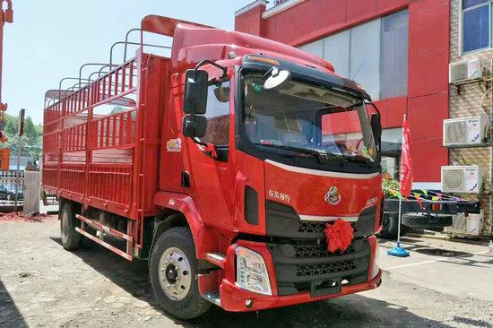 东风柳汽东风柳汽 新乘龙M3中卡 185马力 4X2 6.8米排半仓栅式载货车(LZ5180CCYM3AB)20180324489407