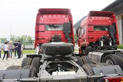 中国重汽 豪瀚J7B重卡 380马力 6X4危化品牵引车(ZZ4255N3246E1W)