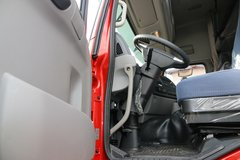 东风天龙牵引车驾驶室                                               图片