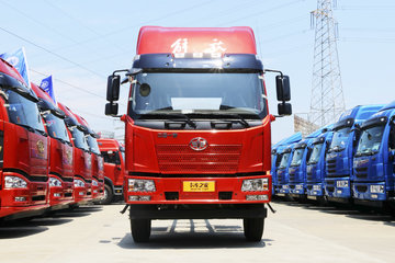 一汽解放 J6L中卡 180马力 4X2 6.75米栏板载货车底盘(CA1180P62K1L4E5)