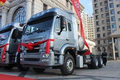 中国重汽 豪瀚J7G重卡 430马力 6X4 LNG牵引车(ZZ4255N3847E1L)