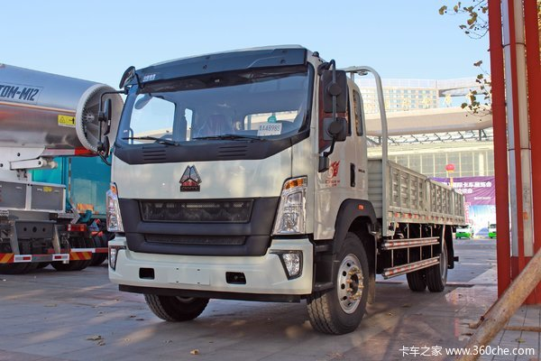 中国重汽HOWO G5X中卡 标载版 210马力 6.75米栏板载货车
