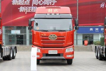 一汽解放 J6P重卡 430马力 6X4 LNG牵引车