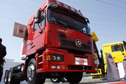 长安重汽 远威重卡 350马力 6X4 LNG牵引车(SXQ4251M7N-4)
