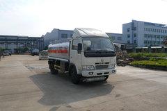 东风小霸王 95马力 4.5方加油车 卡车图片