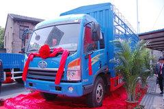 青岛解放 赛龙中卡 130马力 4X2 6.75米仓栅载货车(2010款)(CA5169XXYPK2L2EA80-1) 卡车图片